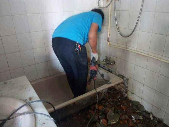 鳌头镇房屋漏水维修