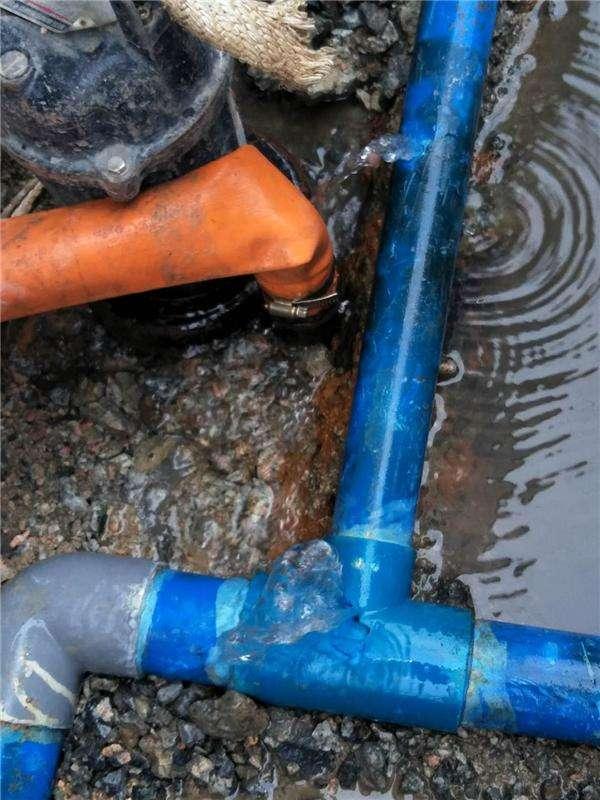 从化城郊街大夫田村给水管道检测维修