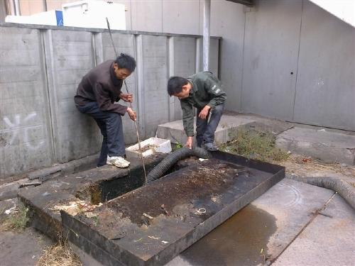 从化江埔街道汉田村化粪池清理